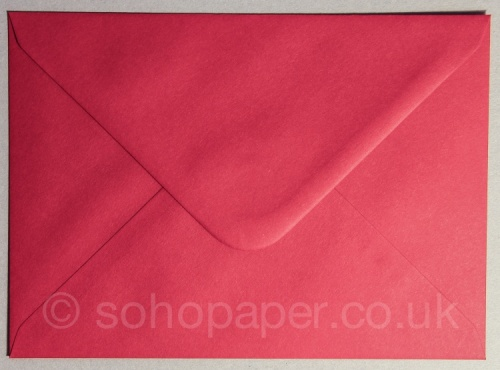 Scarlet Red Envelopes 133 x 184mm 100gsm
